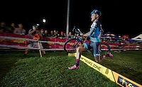 Ben Berden (BEL/Raleigh-Clement) runs over the barriers<br /> <br /> Cross Vegas 2014