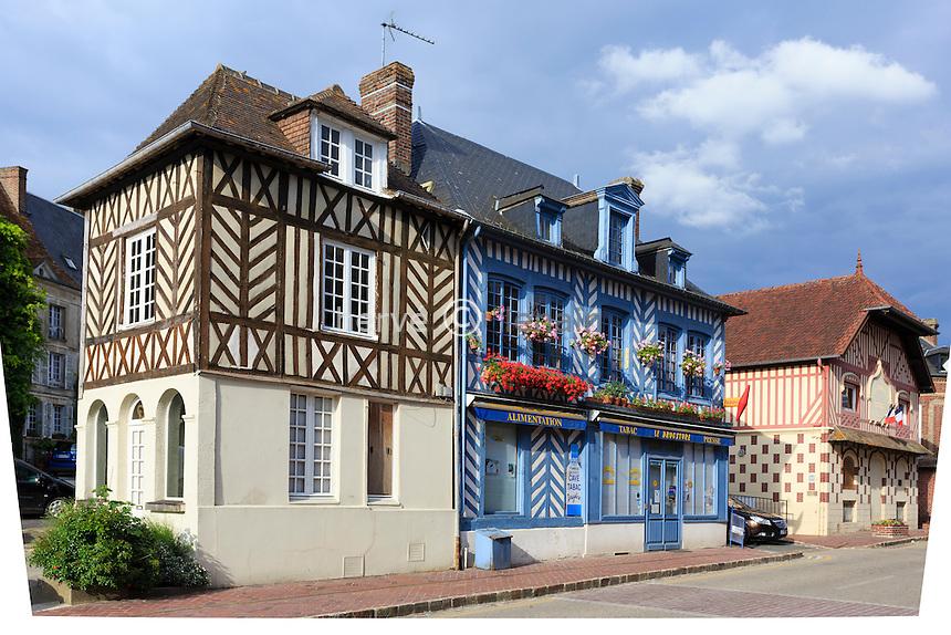 France, Calvados (14), Beaumont-en-Auge, maisons du village // France, Calvados, Beaumont en Auge, houses in the village