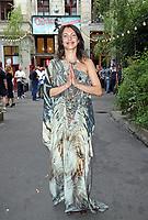 BERLIN, ALEMANHA, 20.07.2017 - KATE-WILLIAM - Jana Pallaske durante visita do principe William e da duquesa de Catherine em Claerchens Ballhaus em Berlin capital da Alemanha nesta quinta-feira, 20. (Foto: Georg Wenzel/Brazil Photo Press)