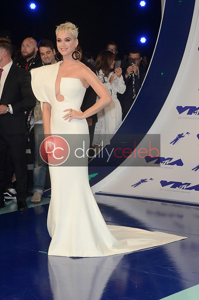 Katy Perry<br /> at the 2017 MTV Video Music Awards, The Forum, Inglewood, CA 08-27-17<br /> David Edwards/DailyCeleb.com 818-249-4998