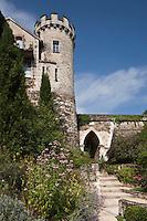Europe/France/Aquitaine/24/Dordogne/Nontron: Les anciens remparts de Nontron, vus depuis Les Jardins des Arts.