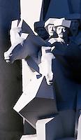 05 FEB 2003 - CAMAGUEY, CUB - Statue .(PHOTO (C) NIGEL FARROW)