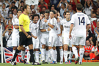 MADRID, ESPANHA, 29 AGOSTO 2012 - SUPERCUP DA ESPANHA -  REAL MADRID X BARCELONA - Cristiano Ronaldo (E) jogador do Real Madrid comemora gol contra o Barcelona na final da da Supercup da Espanha contra o Barcelona em , no estadio Santiago Bernabeu, em Madri na Espanha, nesta quarta-fera, 29. (FOTO: ALFAQUI / BRAZIL PHOTO PRESS).