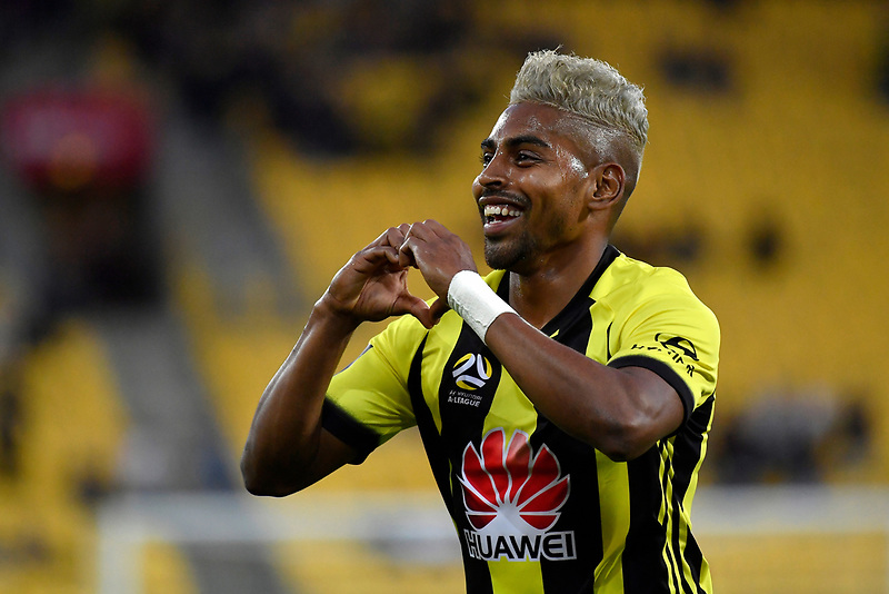 Wellington Phoenix' Roy Krishna in action during the A League - Wellington Phoenix v Brisbane Roar FC at Westpac Stadium, Wellington, New Zealand on Saturday 28 October.<br /> Photo by Masanori Udagawa. <br /> www.photowellington.photoshelter.com