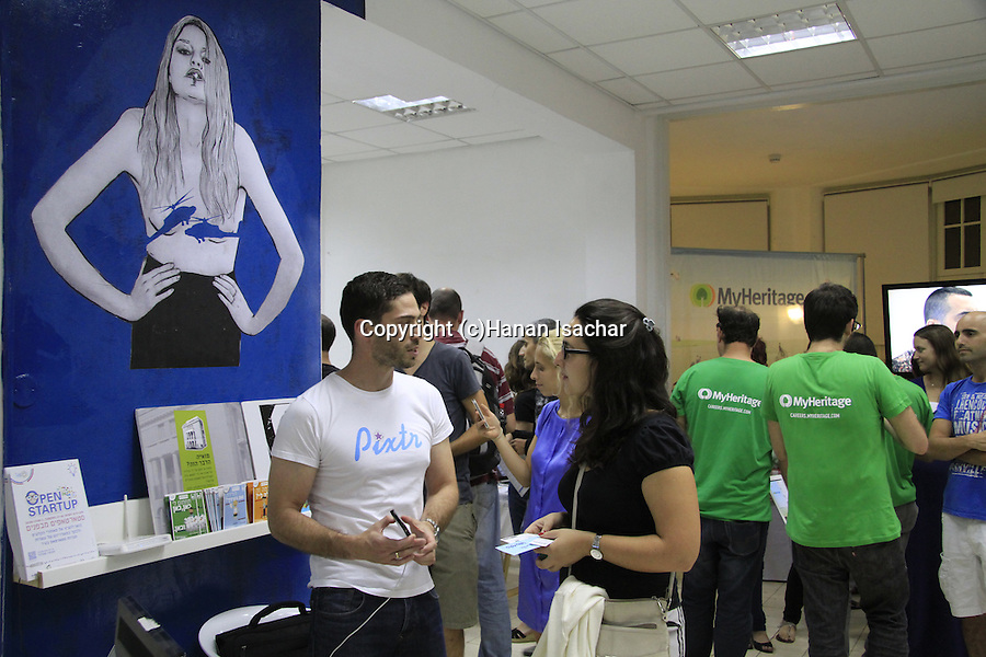 Open Startup in Tel Aviv, in the two days event start up companies open their offices for visits, the Social Lab incubator