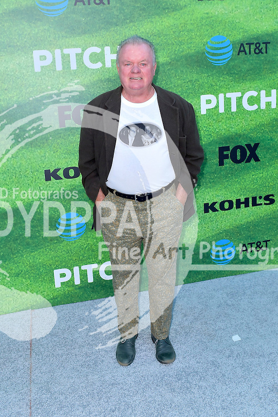 Jack McGee bei der Premiere der FOX TV-Serie 'Pitch' auf dem West LA Little League Field. Los Angeles, 13.09.2016