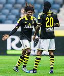 Solna 2015-05-31 Fotboll Allsvenskan AIK - Helsingborgs IF :  <br /> AIK:s Mohamed Bangura ser glad ut med Dickson Etuhu n&auml;r an byts ut i slutet av matchen mellan AIK och Helsingborgs IF <br /> (Foto: Kenta J&ouml;nsson) Nyckelord:  AIK Gnaget Friends Arena Allsvenskan Helsingborg HIF jubel gl&auml;dje lycka glad happy glad gl&auml;dje lycka leende ler le
