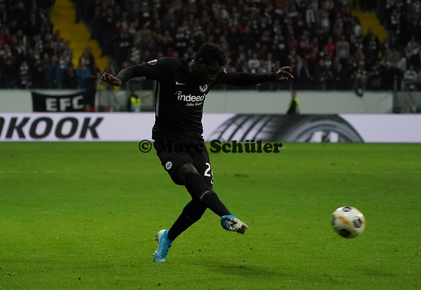 Danny da Costa (Eintracht Frankfurt) - 24.10.2019:  Eintracht Frankfurt vs. Standard Lüttich, UEFA Europa League, Gruppenphase, Commerzbank Arena<br /> DISCLAIMER: DFL regulations prohibit any use of photographs as image sequences and/or quasi-video.