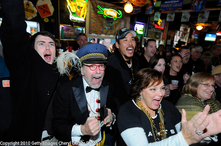 NEW ORLEANS - FEBRUARY 07:  New Orleans Saints fans watch the Saints play against the Indianapolis Colts during Super Bowl XLIV at a bar on February 7, 2010 in New Orleans, Louisiana.  (Photo by Cheryl Gerber/Getty Images)