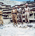 Iraq 1971. In the middle, Hassan Shatavi with 2 peshmergas in Nawpurdan  <br />