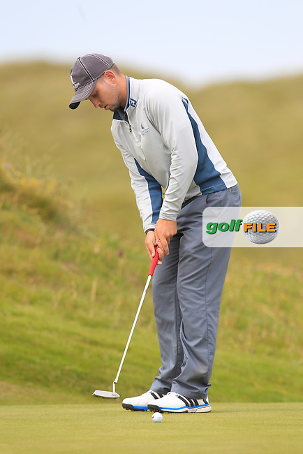 Keith Egan (Carton House) on the 1st green during Matchplay Round 4 of the South of Ireland Amateur Open Championship at LaHinch Golf Club on Saturday 25th July 2015.<br /> Picture:  Golffile | TJ Caffrey