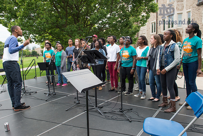 "Aug. 26,2015; The Voices of Faith Gospel Choir sings at the Campus Ministry ""Feed Your Faith"" event on South Quad. (Photo by Matt Cashore/University of Notre Dame)"