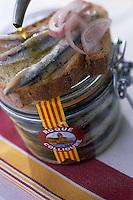 Europe/France/Languedoc-Roussillon/66/Pyrénées -Orientales/Collioure:les Anchois de Collioure de chez Roques