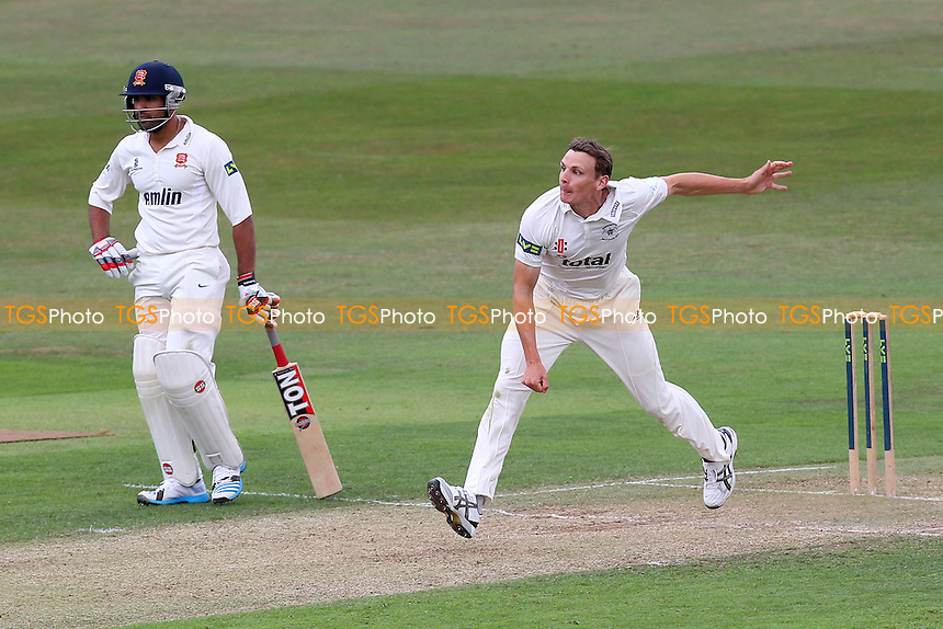 Will Gidman in bowling action for Gloucestershire - Essex CCC vs Gloucestershire CCC - LV County Championship Division Two Cricket at the Ford County Ground, Chelmsford - 30/06/14 - MANDATORY CREDIT: Gavin Ellis/TGSPHOTO - Self billing applies where appropriate - contact@tgsphoto.co.uk - NO UNPAID USE