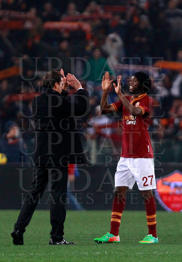 Calcio, quarti di finale di Coppa Italia: Roma vs Juventus. Roma, stadio Olimpico, 21 gennaio 2014.<br /> AS Roma coach Rudi Garcia, of France, left, congratulates with forward Gervinho, of Ivory Coast, at the end of the Italian Cup round of eight final football match between AS Roma and Juventus, at Rome's Olympic stadium, 21 January 2014. AS Roma won 1-0.<br /> UPDATE IMAGES PRESS/Isabella Bonotto