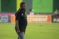 BARRANCABERMEJA -COLOMBIA, 22-10-2016:  Hubert Bodhert técnico de Jaguares FC gesticula durante partido con Alianza Petrolera por la fecha 17 de la Liga Aguila II 2016 disputado en el estadio Daniel Villa Zapata de la ciudad de Barrancabermeja. / Hubert Bodhert coach of Jaguares FC gestures during match against Alianza Petrolera for the date 17 of the Aguila League II 2016 played at Daniel Villa Zapata stadium in Barrancebermeja city. Photo: VizzorImage / Jose Martinez / Cont