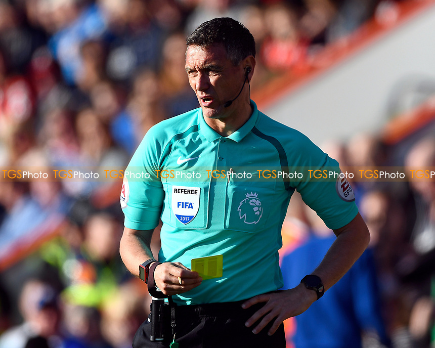 Referee Andre Marriner during AFC Bournemouth vs Chelsea, Premier League Football at the Vitality Stadium on 8th April 2017