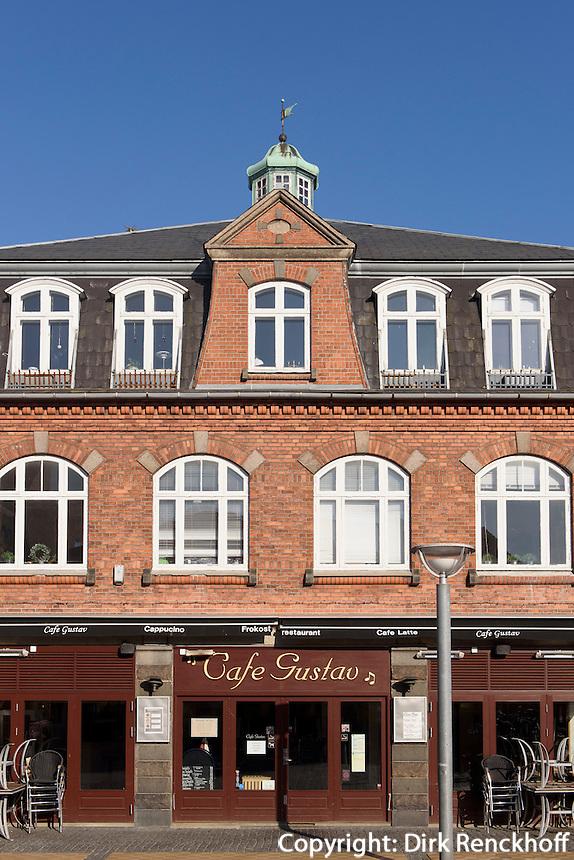 Restaurant Caf&eacute; Gustav auf dem Store Torv in R&oslash;nne, Insel Bornholm, D&auml;nemark, Europa<br /> Restaurant Caf&eacute; Gustav at Store Torv, Roenne, Isle of Bornholm, Denmark