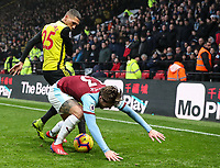 Burnley's Jeff Hendrick competing with Watford's Jose Holebas<br /> <br /> Photographer Andrew Kearns/CameraSport<br /> <br /> The Premier League - Watford v Burnley - Saturday 19 January 2019 - Vicarage Road - Watford<br /> <br /> World Copyright © 2019 CameraSport. All rights reserved. 43 Linden Ave. Countesthorpe. Leicester. England. LE8 5PG - Tel: +44 (0) 116 277 4147 - admin@camerasport.com - www.camerasport.com