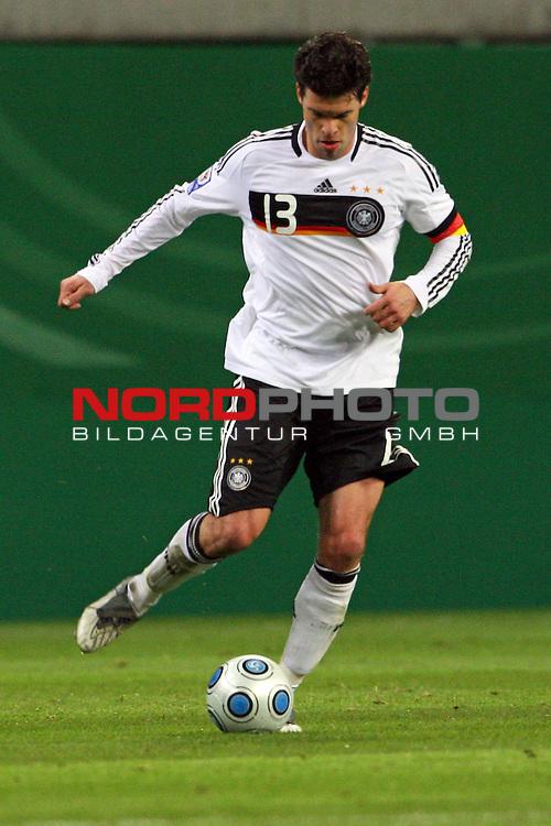L&permil;nderspiel<br /> WM 2010 Qualifikatonsspiel Qualificationmatch Leipzig 28.03.2009 Zentralstadion Gruppe 4 Group Four <br /> <br /> Deutschland ( GER ) - Liechtenstein ( LIS ) 4:0 (2:0)<br /> <br /> Michael Ballack (#13 FC Chelsea London Deutsche Nationalmannschaft).<br /> <br /> Foto &copy; nph (  nordphoto  )<br />  *** Local Caption ***