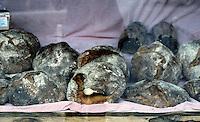 Dinkelsbuhl: Bread in Bakery window.