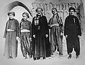 Iraq 1950? <br /> 1st left, Haji Abdallah, father of Mullazem Omar Abdallah in Ctesiphon with a delegation of Kurds  <br /> Irak 1950? <br /> 1er a gauche, Haji Abdallah, pere de Mullazem Omar Abdallah avec une delegation de Kurdes a Ctesiphon