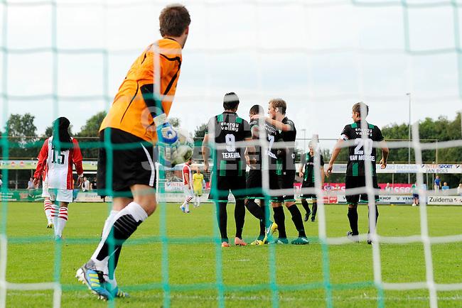 HOOGEVEEN - Voetbal, FC Emmen - FC Groningen, voorbereiding seizoen 2012-2013, 28-07-2012, FC groningen viert de 0-1 na de benutte strafschop van Leandro Bacuna