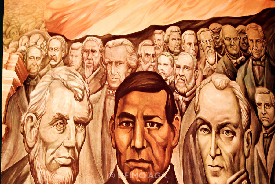 Murals depicting the Revolution at Government Palace.Benito Juarez between Abraham Lincoln (l.) and Simon Bolivar.