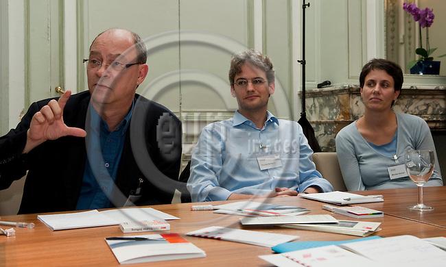 Brussels-Belgium - October 05, 2010 -- 3. Treffen des EU-Netzwerks der Hans-Böckler-Altstipendiaten, am Sitz des DGB-EU-Bueros; hier, Andreas BOTSCH (EGB) (li), Florian SCHIERLE (mi), Monika GONSER (re) -- Photo: Horst Wagner / eup-images