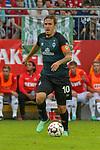 20.07.2018, Zillertalarena, Zell am Ziller, AUT, FSP, 1.FBL, SV Werder Bremen (GER) vs 1. FC Koeln (GER), im Bild<br /> <br /> Max Kruse (Werder Bremen #10) mit Kapitaensbinde <br /> Einzelaktion, Ganzkörper / Ganzkoerper<br /> <br /> Foto © nordphoto / Kokenge