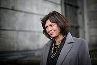 Berlin, Bundesagrarministerin Ilse Aigner (CSU) gibt am Mittwoch (22.05.13) vor dem Berliner Dom anlässlich Vorstellung einer Bienen-App, ein Statement. Ministerin Aigner besichtigt Bienenstöcke auf dem Dach des Berliner Doms und stellt neue Bienen-App vor.