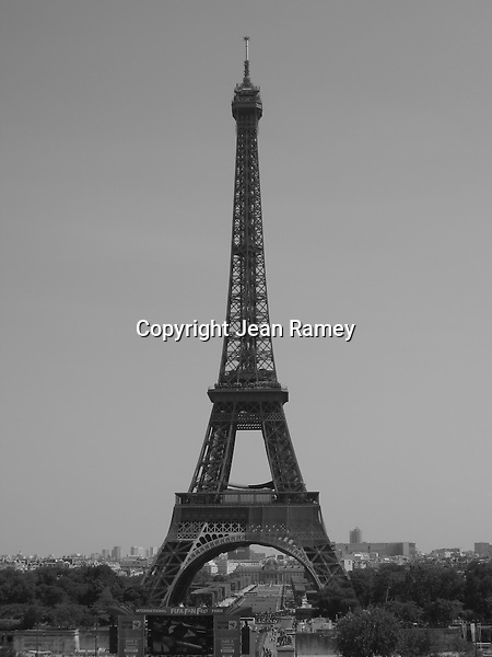 The Eiffel Tower - B&W