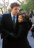 "BEN AFFLECK and Jennifer Lopez ON SET OF ""JERSEY GIRL"" CENTRAL PARK, NYC 11/07/02<br /> Photo By John Barrett/PHOTOlink"