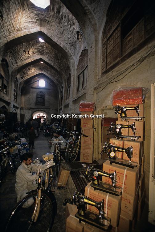 mm7167, Market, sewing machines, Herat, Mending Afghanistan, Silk Road, Persian Empire, Alexander the Great, Herodotus, Genghis Khan, daily life