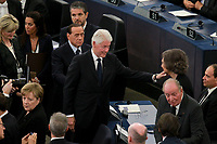 Bill Clinton; Juan Carlos ; Angela Merkel; Silvio Berlusconi<br /> <br /> STRASBOURG, FRANCE - JULY 01: The coffin holding the remains of former German Chancellor Helmut Kohl draped by the European flag is carried to the memorial ceremony at the European Parliament on July 1, 2017 in Strasbourg, France. Kohl was chancellor of Germany for 16 years and led the country from the Cold War through to reunification. He died on June 16 at the age of 87<br /> Foto Elyxandro Cegarra / Panoramic / Insidefoto <br /> ITALY ONLY