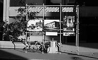 ƒlŽments de CORRIDART, rue Sherbrooke. - 5 juillet 1976. / Louis-Philippe Meunier. Archives de la Ville de MontrŽal. VM94-EM0745-014