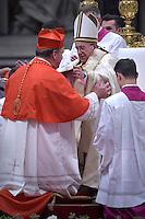 cardinal, archbishop of Newark, Joseph William Tobin i,Pope Francis, during a consistory at Peter's basilica. Pope Francis has named 17 new cardinals, on November 19, 2016
