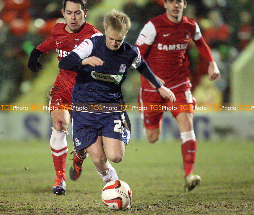 Ben Reeves of Southend United breaks clear of the Orient defence - Leyton Orient vs Southend United at the Matchroom Stadium - 05/02/13 - MANDATORY CREDIT: Dave Simpson/TGSPHOTO - Self billing applies where appropriate - 0845 094 6026 - contact@tgsphoto.co.uk - NO UNPAID USE.