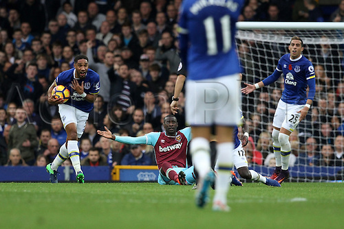 30.10.2016. Goodison Park, Liverpool, England. Premier League Football. Everton versus West Ham United. Ashley Williams of Everton reacts in disbelief to a free kick awarded against him.