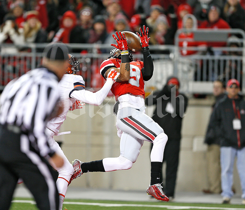 Ohio State Buckeyes wide receiver Devin Smith (9) makes a touchdown catch at Ohio Stadium on November 1, 2014. (Chris Russell/Dispatch Photo)