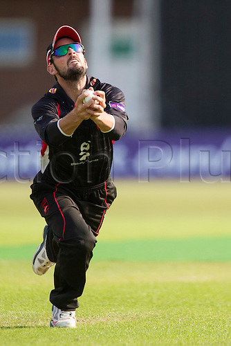 11.07.2014. Leicester, England. NatWest T20 Blast, Leicestershire Foxes vs Lancashire Lightning. EJH ECKERSLEY (Leicestershire Foxes) takes a catch.