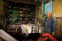 Ricardo, mecanic and car restorer. Habana, Cuba