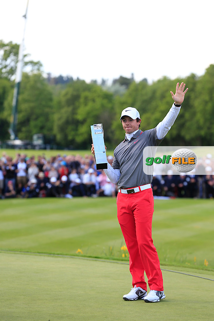 Rory MCILROY (NIR) is the 2014 BMW PGA champion. The tournaments was played on the West Course, Wentworth Golf Club, Virginia Water, London.<br /> Picture: Fran Caffrey www.golffile.ie
