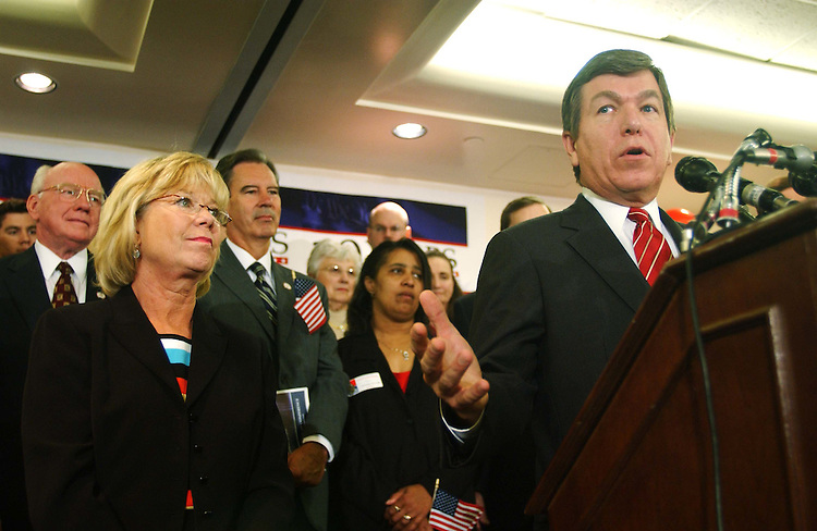 9/22/04.HOUSE GOP ACCOMPLISHMENTS--GOP Conference Chair Deborah Pryce, R-Ohio, and House Majority Whip Roy Blunt, R-Mo., during a rally of House Republicans celebrating ten years of their majority rule.  CONGRESSIONAL QUARTERLY PHOTO BY SCOTT J. FERRELL