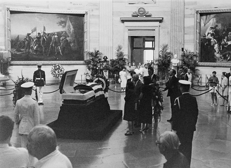 Funeral of Rep. Claude Pepper, D-Fla., in 1989 (Photo by CQ Roll Call)