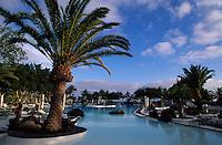 Costa Teguise, Hotelgarten Melia Salinas von Cesar Manrique, Lanzarote, kanarische Inseln, Spanien
