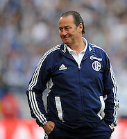 FUSSBALL   1. BUNDESLIGA   SAISON 2011/2012   29. SPIELTAG FC Schalke 04 - Hannover 96                                08.04.2012 Trainer Huub Stevens (FC Schalke 04)