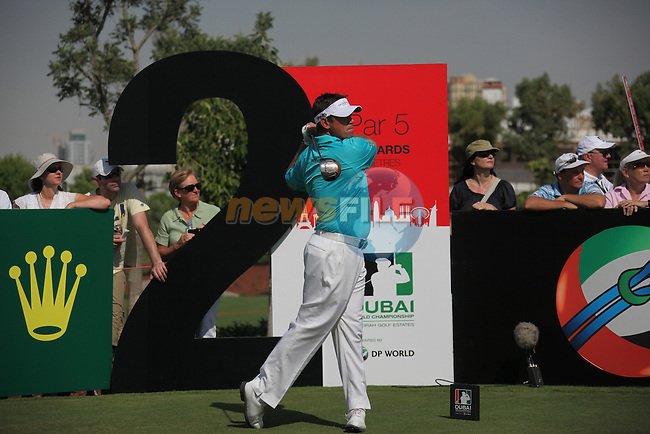 Dubai World Championship Golf. Earth Course,.Jumeirah Golf Estate, Dubai, U.A.E...Lee Westwood teeing off from the second during the first round of the Dubai World Golf championship..Photo: Fran Caffrey/www.golffile.ie...