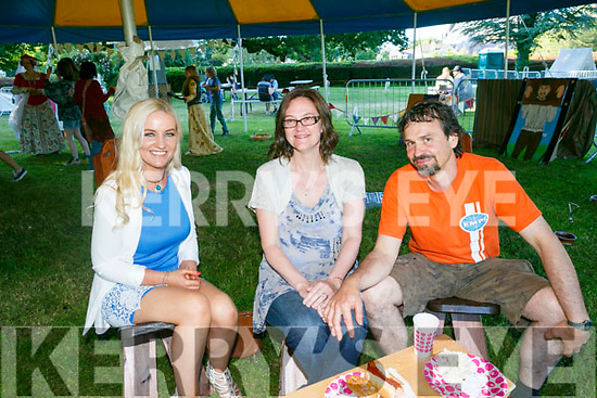 Enjoying the Kerry Medieval Group's Bbq In The Park Fundraiser on saturday were Noelle O'Brien, Debbie Davis and Dan Davis