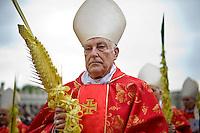 Città del Vaticano, 13 Aprile, 2014. Il Cardinale Zenon Grocholewski durante la celebrazione della messa in Vaticano in occasione della Domenica delle palme. Cardinal Zenon Grocholewski attends Palm Sunday Mass celebrated by Pope Francis at St. Peter's Square.